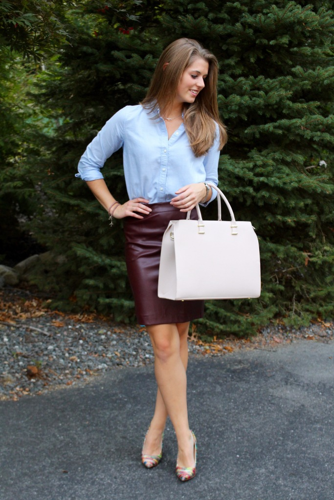 Faux leather pencil skirt outfit