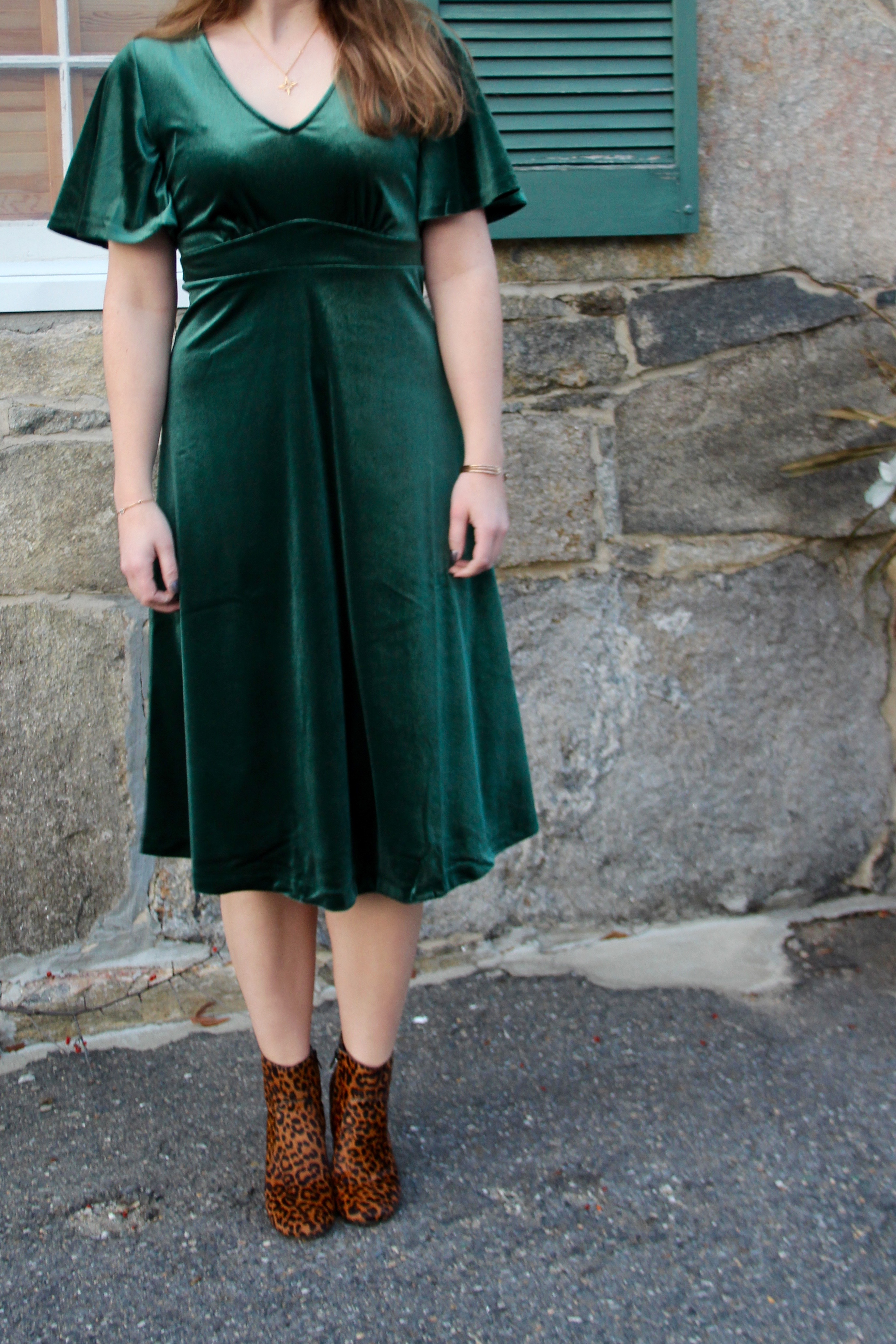 Holiday Velvet with Old Navy – The Sol Compass